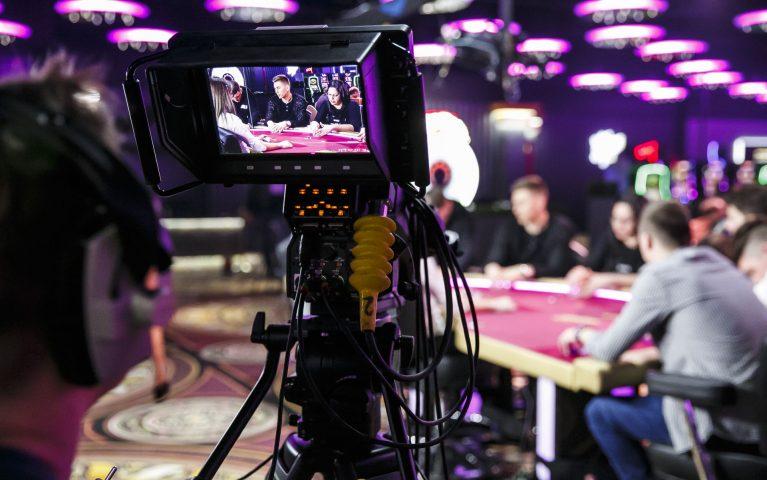 Buďte doma a sledujte poker! To najlepšie z turnajov Rebuy Stars