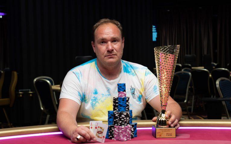 Royal flush i quads. RS Special Bratislava ponúkol skvelú akciu a triumf Ondroviča za viac ako 3.000€!